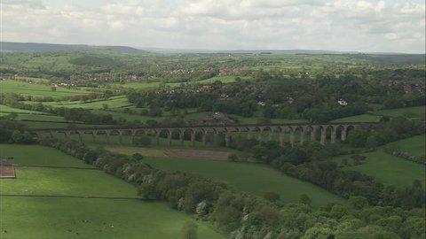 AERIAL United Kingdom-Harrogate 2005: Crimple viaduct then Harrogate