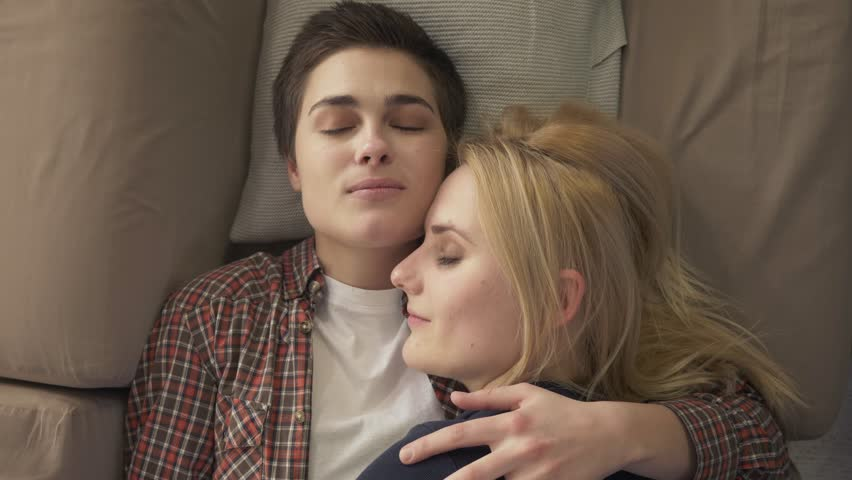 Young lesbians video