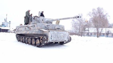 Village sokolovo, kharkiv region, ukraine - march 9: reconstruction of the  battle of the second world war near the village of sokolovo in 1943  german  tiger tank