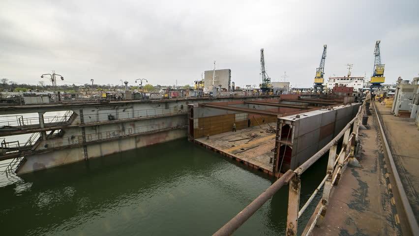 Header of Floating dock