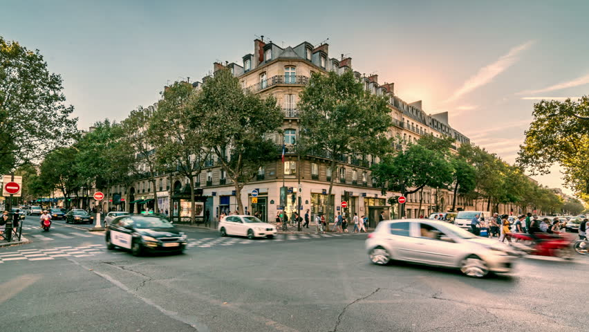 PARIS, FRANCE - CIRCA 2016: The intersection of the Boulevard Saint-Germain and Boulevard Saint-Michel. Time lapse video. Zooming in easy. | Shutterstock HD Video #1009034660