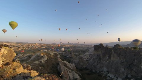 Time-lapse video of hot air balloons in Kapadokya