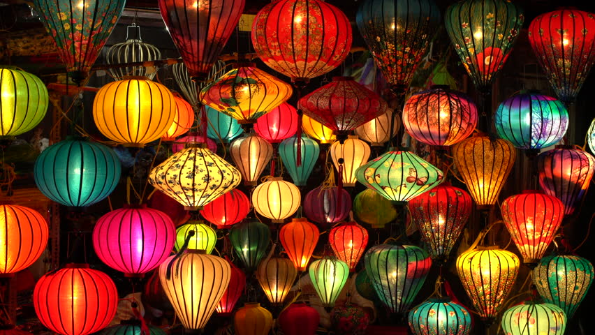 Zoom Out - Colorful Silk Lantern Shop in Hoi An - Vietnam