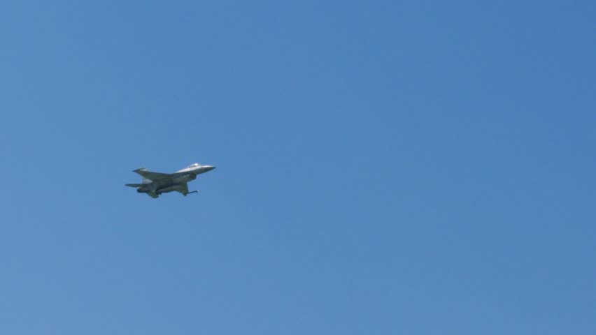 F-16 Fighting Falcon Supersonic Army Stock Footage Video (100%  Royalty-free) 1014765710 | Shutterstock