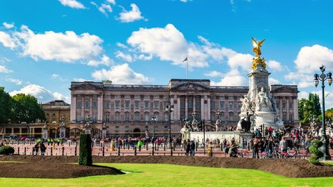 Time lapse view of Buckingham Palace in London