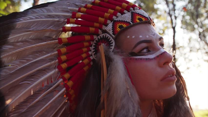 Image by Shutterstock Native American Headdress Men/'s Tee