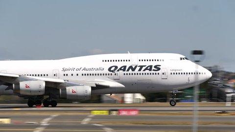 QANTAS BOEING 747-400 VH-OJS at SYDNEY AIRPORT AUSTRALIA - September 23, 2017