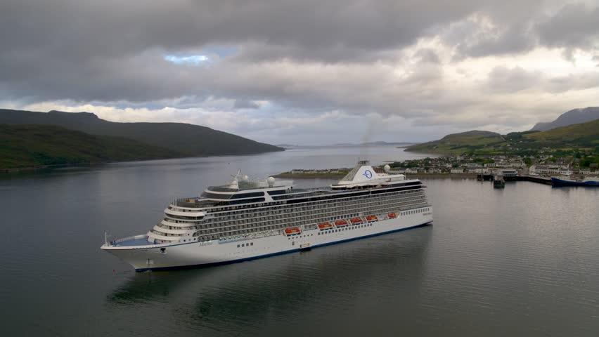 Oceania Cruises Cruise Ship Marina Stock Footage Video (100% Royalty-free)  1018399030 | Shutterstock