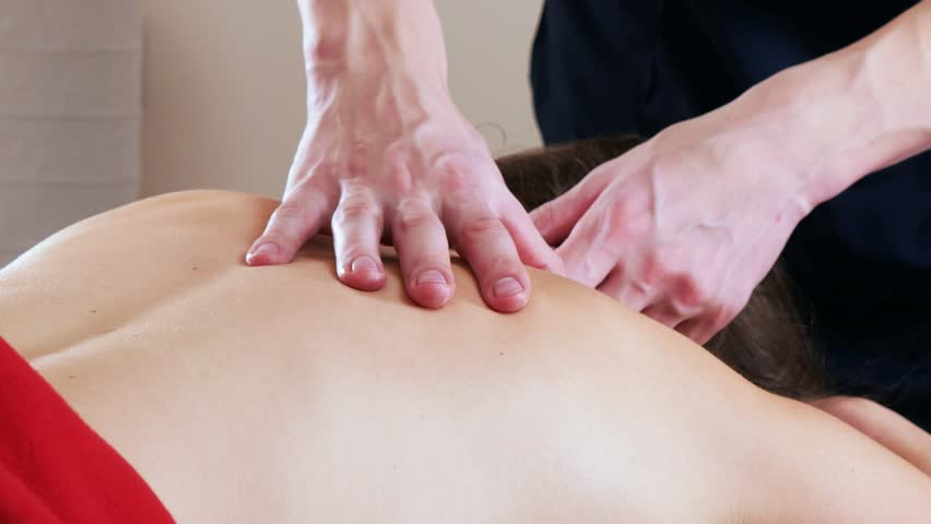лезть делает массаж видео