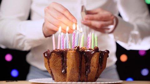 Swell Beautiful Woman Shares Birthday Celebration Stockbeeldmateriaal Funny Birthday Cards Online Fluifree Goldxyz