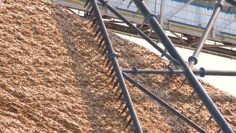 Drying of wood chips in paper manufacturing