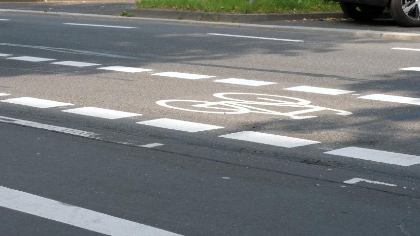 useless road user - 853×480