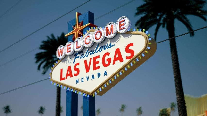 Las Vegas Sign, Crash Pan, Right To Left | Shutterstock HD Video #1033162190