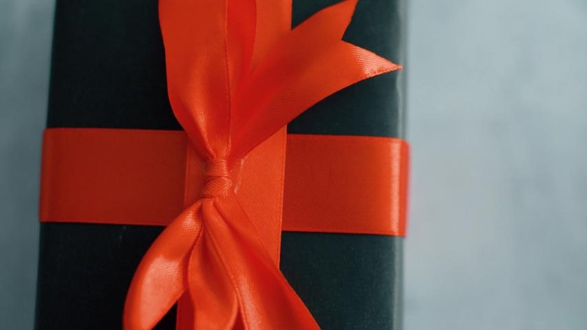 Geschenk Geburtstag Gutschein Stock Video Footage 4k And Hd Video Clips Shutterstock