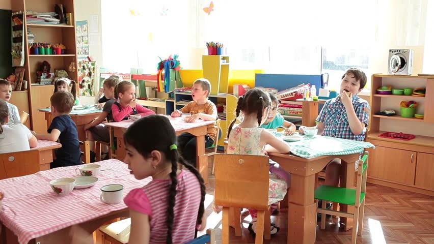 St Petersburg Russia Circa May 2017 Preschool Kids Have A Breakfast