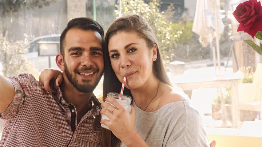 Custodire latino dating
