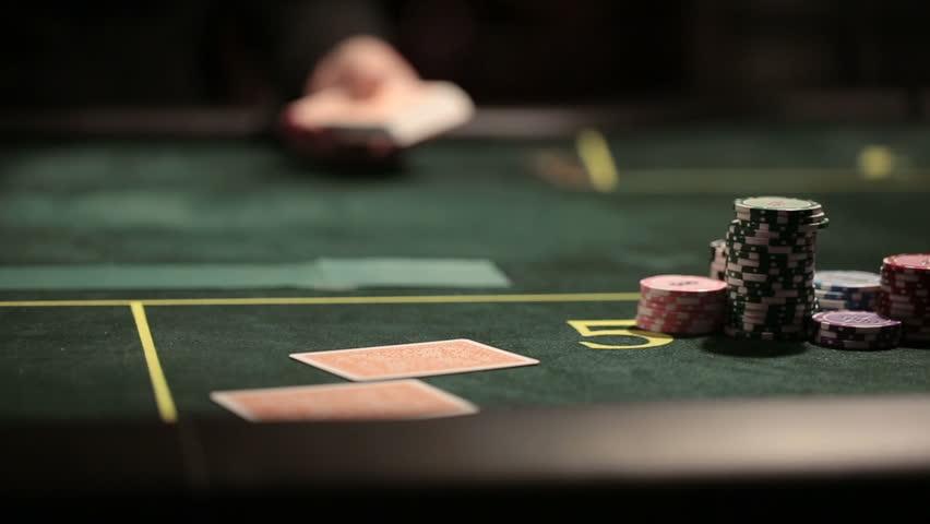 Menjadi Dewa Poker Dalam Permainan Poker Online