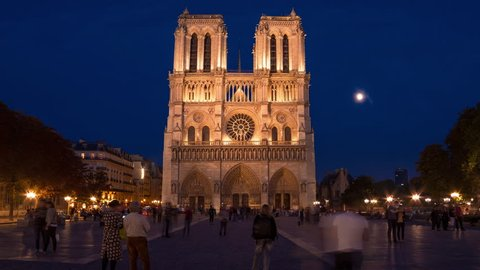 Notre-Dame Cathedral, Paris - Day to Night Time Lapse : A Time Lapse of Notre-Dame de Paris from dusk to night in summer. The moon rise in the background. 2h00 Timelapse.