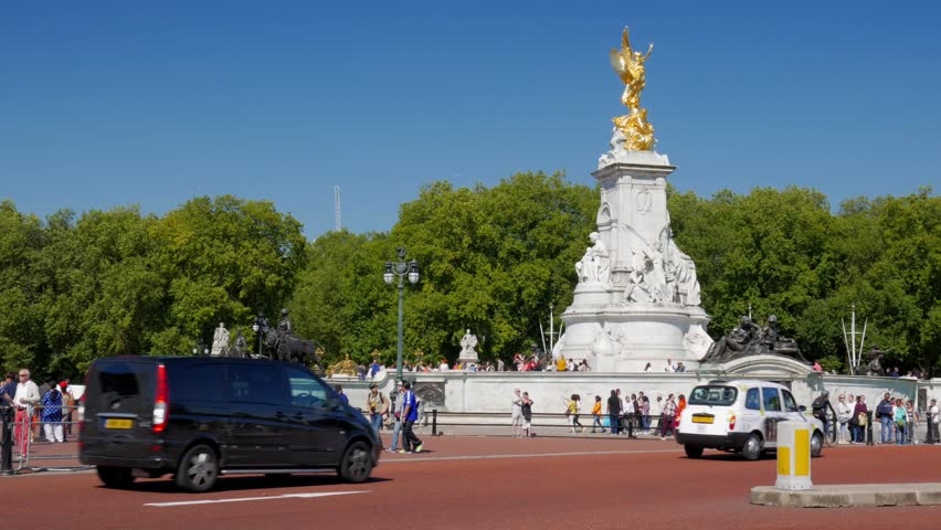 Static Shot Of The Victoria Memorial Outside Buckingham Palace