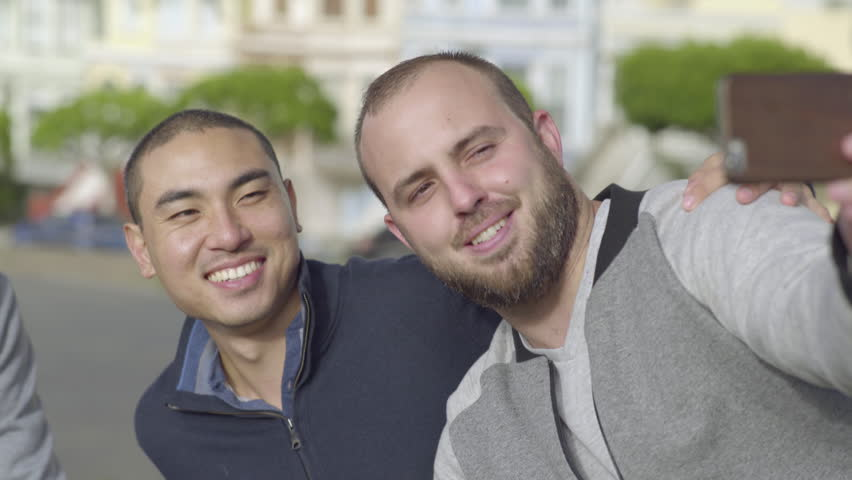 Cute Gay Couple Pose For Selfie, Their Friend Photobombs Them Perfectly, In  San Francisco