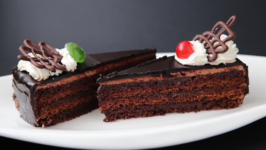 Chocolate Cake With Chocolate Topping