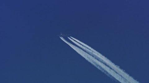 "The Boeing 747 Jumbo Jet  is flying high in the blue sky, Austria, December 2006, Panasonic AJ-HDC20, 2/3 "", 4:2:2, 1080i60"