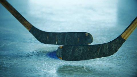02425 Sticks and Puck Fight Ice Hockey