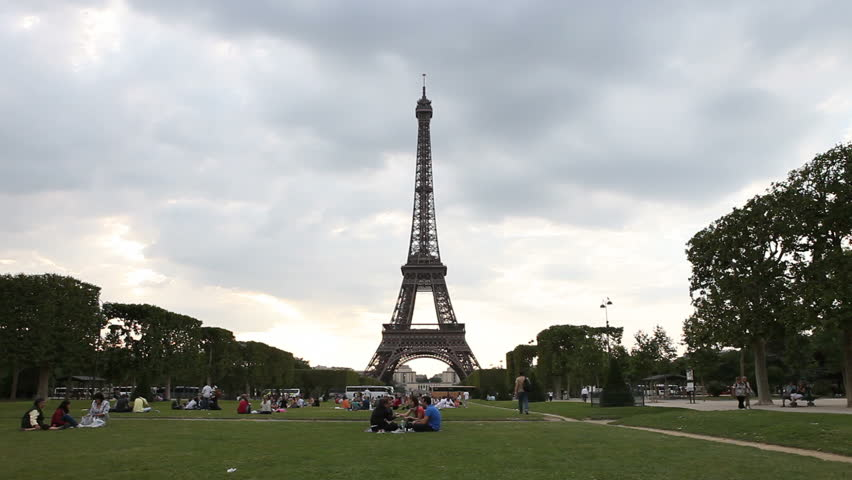 Timelapse Footage of the Eiffel Tower in Paris