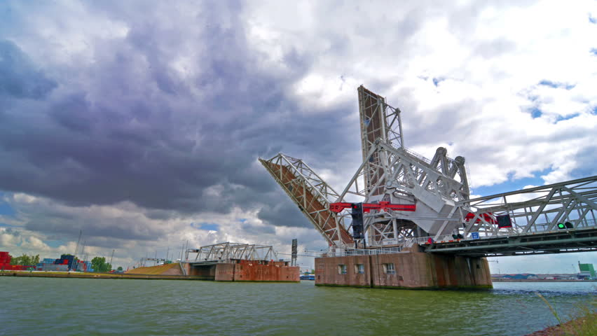 Time lapse of the automatic movable bridge at the port of Antwerp.