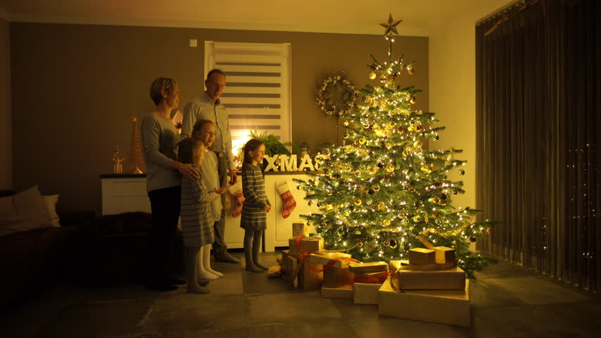4k Footage, Wide Angle Shot Parents And Three Children Singing And ...