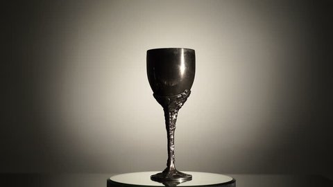 Rotating chalice