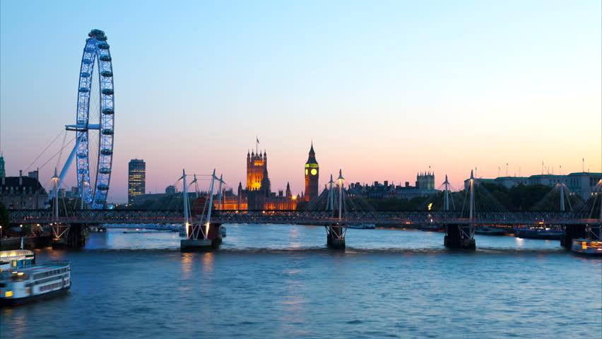 London skyline at dusk | Shutterstock HD Video #1632790