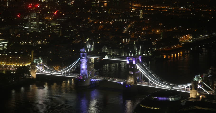 London Aerial View Night Time Cars Traffic Tower Bridge Slow Commuters Commuting ( Ultra High Definition, UltraHD, Ultra HD, UHD, 4K, 2160P, 4096x2160 )