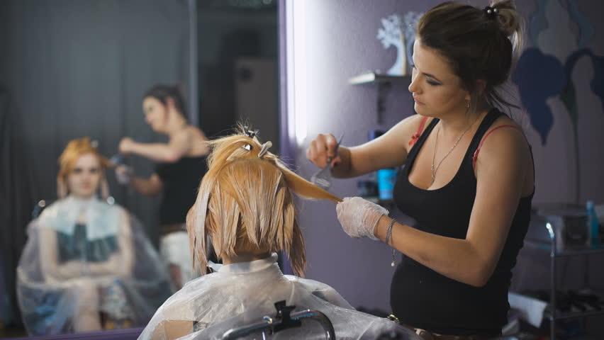 Stylist Studio Beauty Cause Hair Dye On Blond Strands Beauty Studio