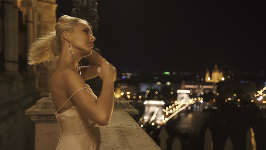 Sexy blonde free video