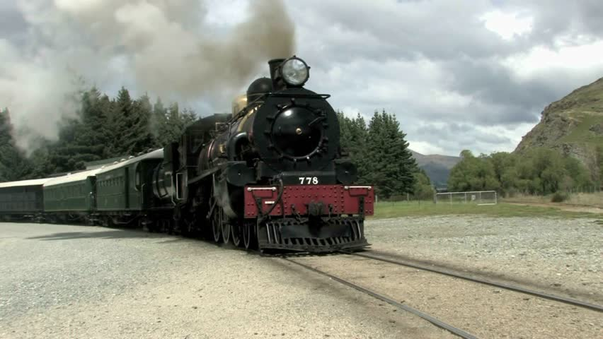 The Kingston Flyer is New Zealand's famous vintage steam train, 40 minutes from Queenstown, based in Kingston on the southern shores of Lake Wakatipu