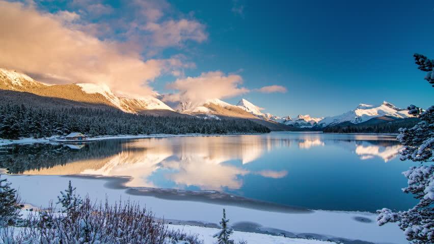 Maligne Lake Time Lapse at sunset in winter / Jasper National Park, Alberta, Canada