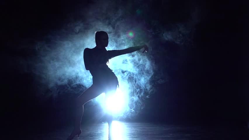 Video dancing nude women