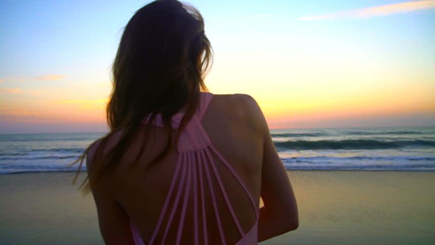 Redhead beachgirl clip