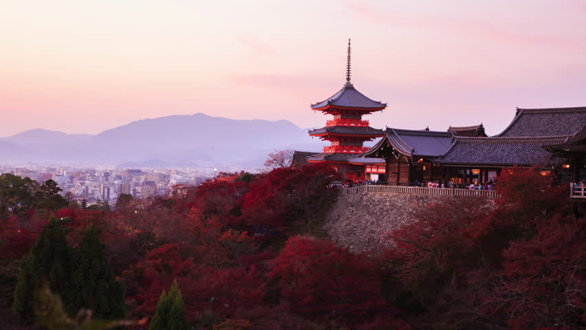 Time lapse 4K Day to night  of pagoda architecture building landmark at Kiyomizu-dera temple in Kyoto, Japan