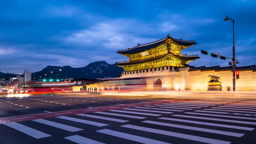 Time lapse of Gwanghwamun Gate and traffic at night in Seoul,South korea.