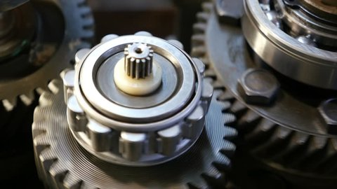rotating parts of the transmission mechanism of the vehicle, close-up 2