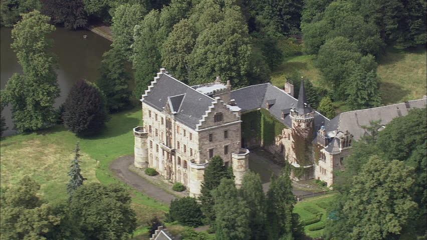Reinhardsbrunn Castle #23663680