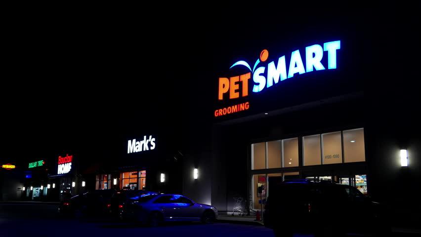 Santa Clarita Causa November 22 2014 Exterior View Petsmart