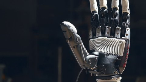 Close up of the robot hand's closing.