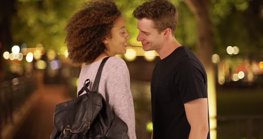 dating korkeakoulututkinnon suorittaneille