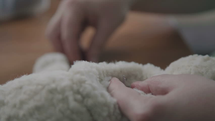 Process of creating a soft handmade toy. Work details: craft toy in the old-fashioned style. Teddy bear as in the 20th century - fashionable collectible toys. Beige teddy bear: process of creation.