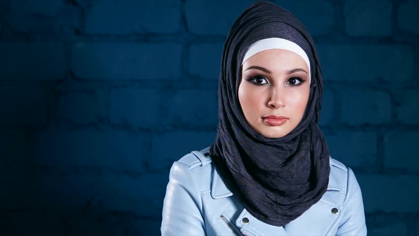maryborough single muslim girls Muslim women dating is not allowed by islam as pertains to the western idea of dating in islam, the only interaction allowed between men and women who are not related is through marriage it is in this light that muslim women dating is considered a taboo topic.