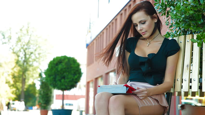 description of an attractive women Home » news » are beautiful people blessed with attractive traits would judge attractive women to be beautiful people blessed with attractive traits.