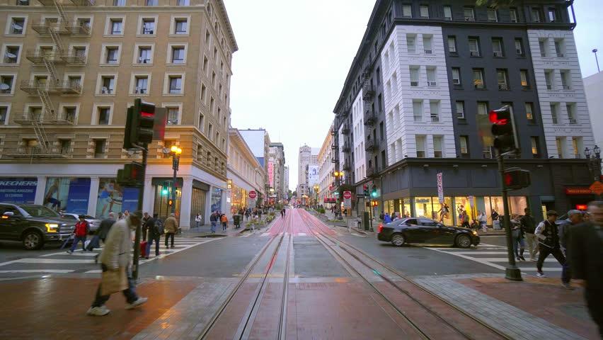 Cable Car arrives at Market Street San Francisco - SAN FRANCISCO / CALIFORNIA - APRIL 18, 2017